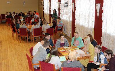 Jaunieši iesaistās jaunatnes politikas stratēģijas izveidē